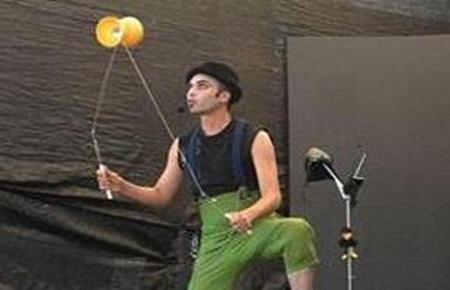 El circo y el teatro coparon la mañana turrialbeña