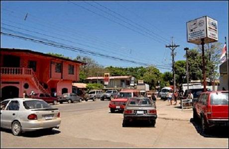 El alegre pueblo de Cobano