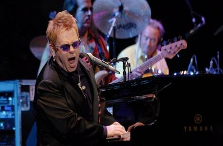 Elton John se presentará por primera vez en el país