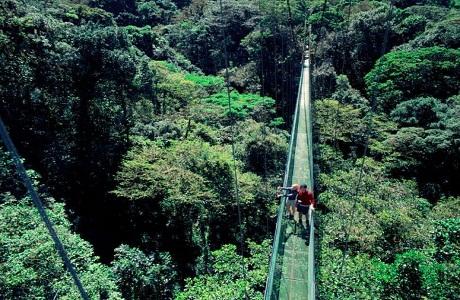 Costa Rica se promueve como destino de aventura