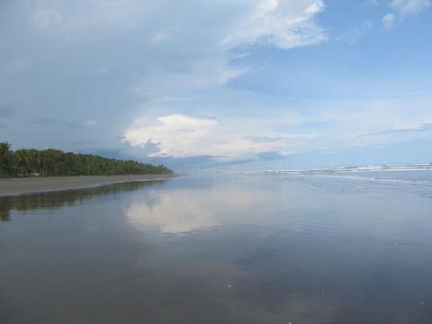 playa-en-costa-rica.jpg